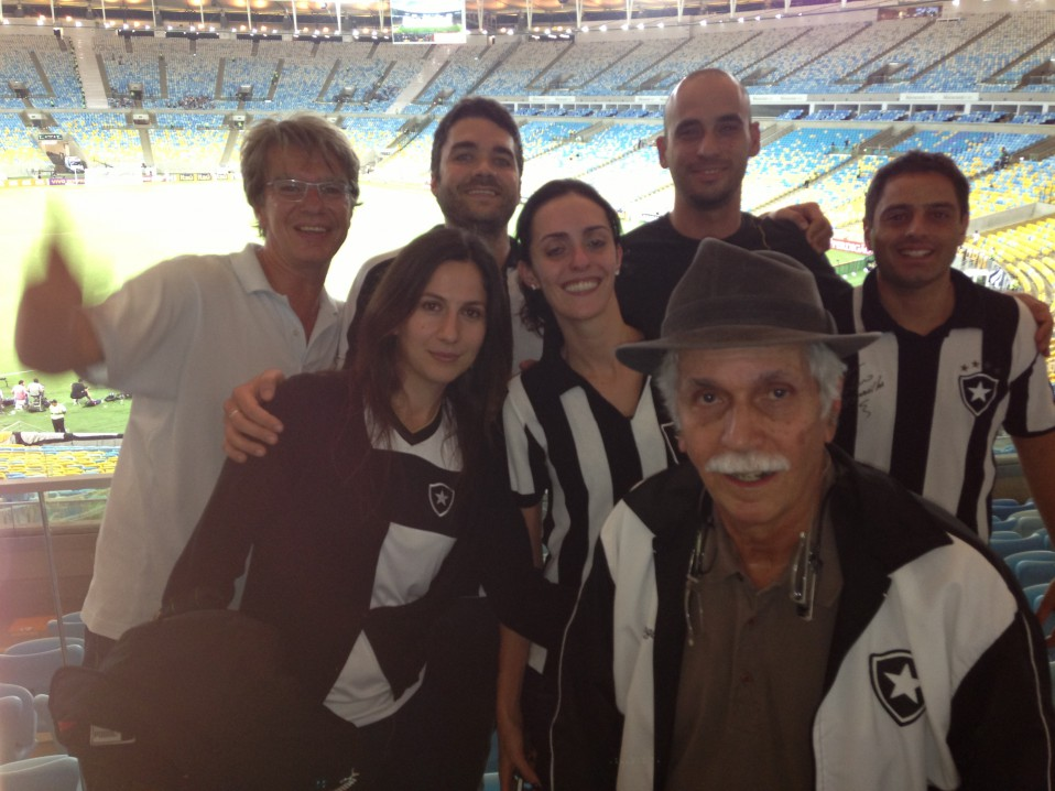 Unter Botafogo-Fans. Rios bester Verein in der diesjährigen Meisterschaft Brasiliens.