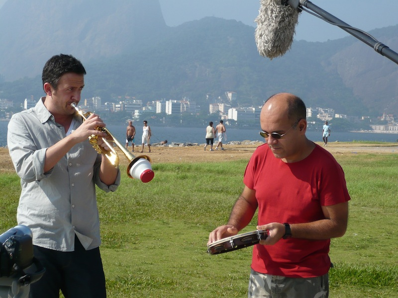 Till mit dem Percussionisten Marcos Suzano in Rio