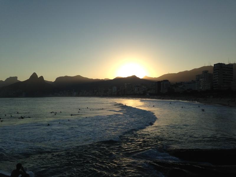 Ein letzter Sonnenuntergang in Arpoador.